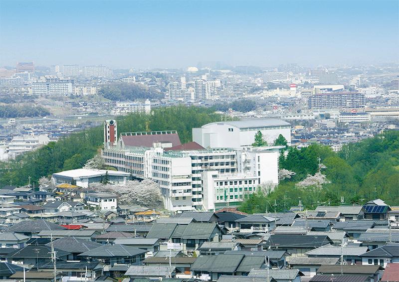 清教学園全景(2011年、創立60周年)