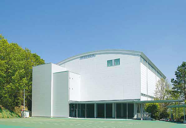 総合体育館の完成(2005年)